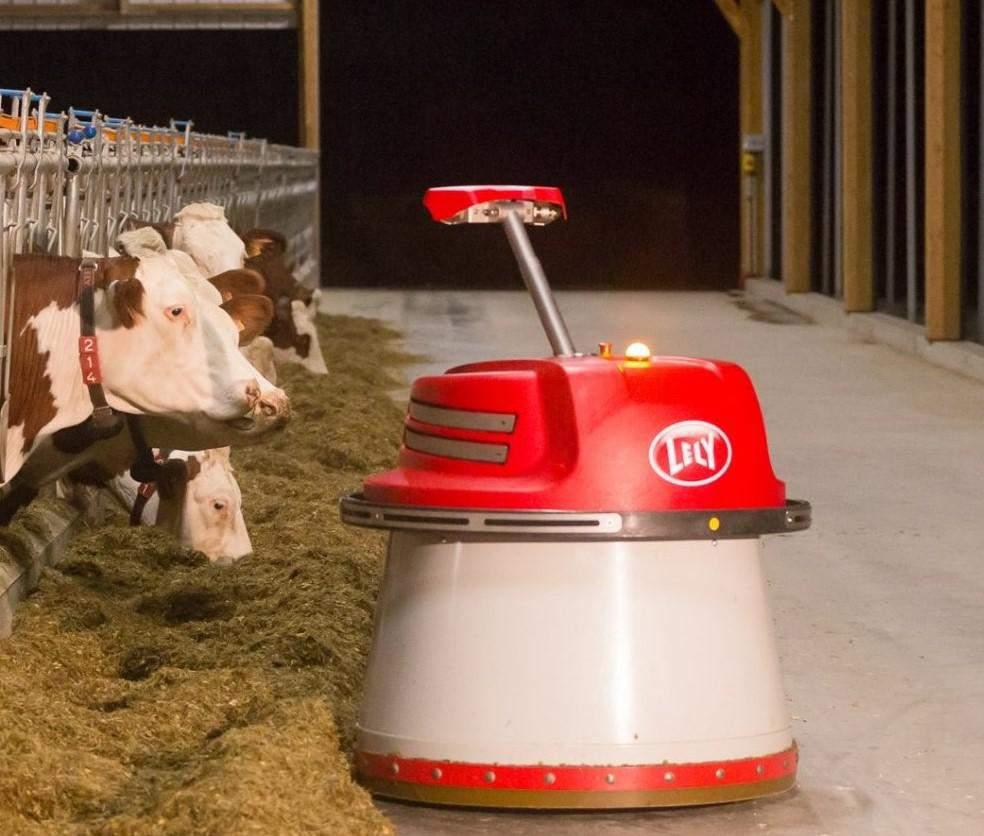 Ein Melkroboter sorgt durch Innovation für mehr Nachhaltigkeit auf Bauernhöfen